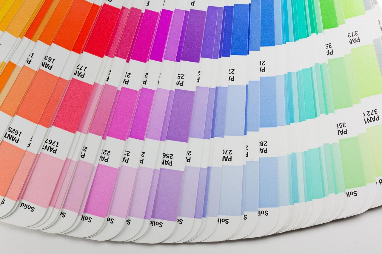 Quelles couleurs pour repeindre mon salon ?